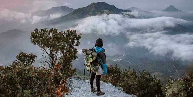 Jalur pendakian gunung Lawu dari yang termudah sampai tersulit